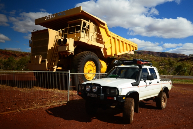 Mine haul truck, Tom Price