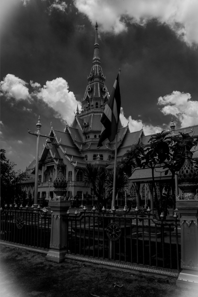 Wat Sothon, Chachoengsao, Thailand in black and white