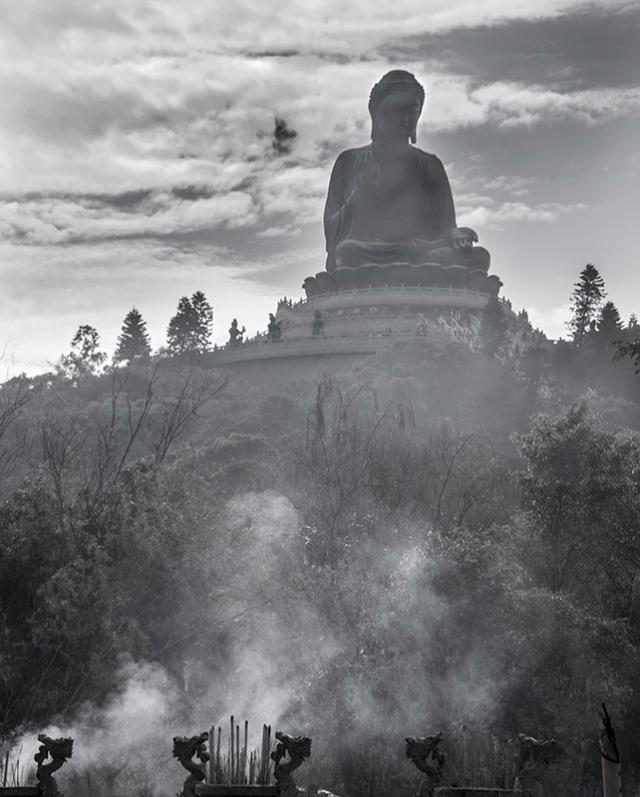 Buddha, Po Lin Monastery